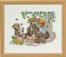 Broderi billede bjørnefamilie på skovtur